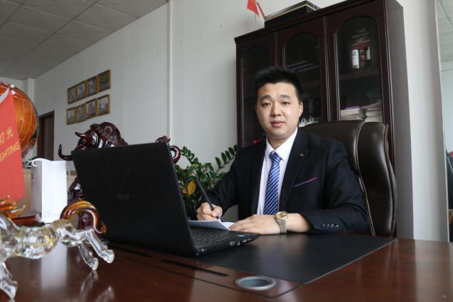 舞佰百强CEO专访 l 90后的创业先锋,敢想敢做,他的故事值得借鉴